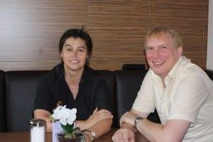 Geschäftsführerin der Altstadt Plus GmbH, Christine van den Berg mit Vereinsvorstand Reiner Lange